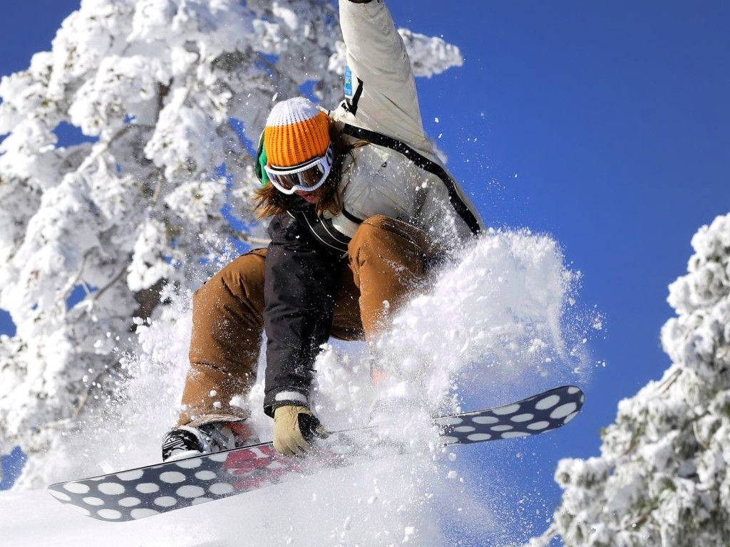 1055-girl-snowboarding-girl-freeride